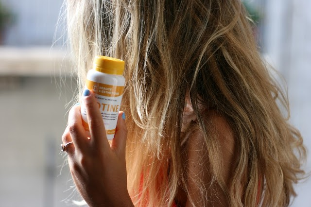Ongles abîmés, cheveux brillants et vigoureux : le test de la Biotine